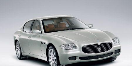 Tire, Wheel, Mode of transport, Automotive design, Vehicle, Transport, Land vehicle, Car, Grille, Automotive mirror,