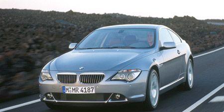 Motor vehicle, Road, Mode of transport, Automotive mirror, Vehicle, Transport, Automotive design, Vehicle registration plate, Hood, Infrastructure,