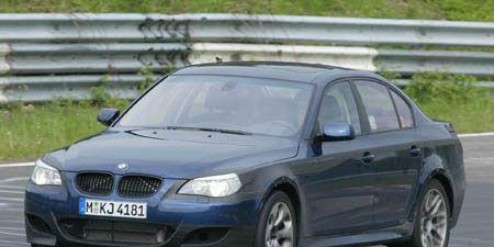 Tire, Mode of transport, Vehicle, Land vehicle, Vehicle registration plate, Car, Hood, Rim, Grille, Mid-size car,