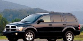 Tire, Wheel, Motor vehicle, Mode of transport, Automotive tire, Automotive mirror, Product, Transport, Vehicle, Rim,