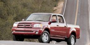 Motor vehicle, Wheel, Mode of transport, Transport, Product, Vehicle, Automotive design, Automotive tire, Photograph, White,