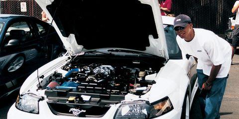 Automotive design, Vehicle, Land vehicle, Cap, Hood, Automotive lighting, Fender, Hat, Automotive exterior, Bumper,