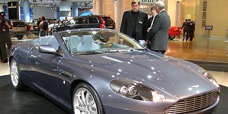 Tire, Wheel, Automotive design, Mode of transport, Vehicle, Car, Rim, Personal luxury car, Vehicle registration plate, Spoke,