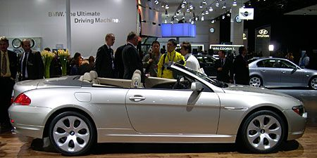 Even Though It S Winter Bmw Is Rolling Out Its New 645ci Ragtop Possibly To Prove That The Convertible Multi Ply Cloth Roof All Season Durable