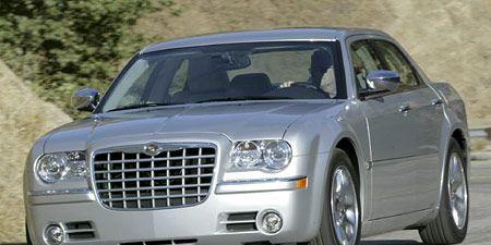 Tire, Wheel, Automotive design, Vehicle, Automotive tire, Land vehicle, Headlamp, Transport, Automotive parking light, Hood,