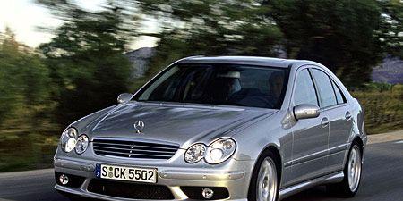 Tire, Wheel, Mode of transport, Automotive design, Vehicle, Hood, Headlamp, Car, Rim, Automotive lighting,