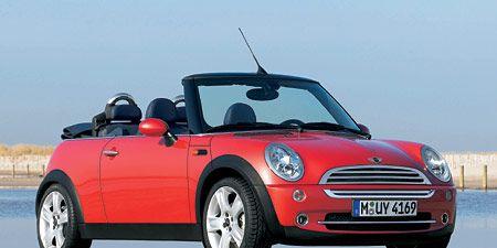 Tire, Automotive design, Vehicle, Land vehicle, Car, Vehicle door, Automotive mirror, Red, Hood, Convertible,