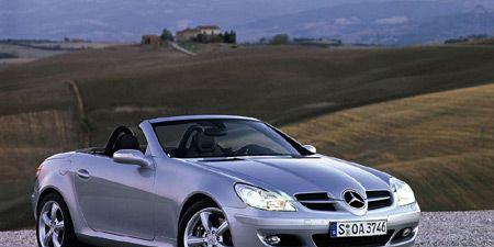 Tire, Wheel, Mode of transport, Automotive design, Vehicle, Automotive mirror, Hood, Automotive exterior, Car, Alloy wheel,