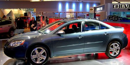Tire, Wheel, Automotive design, Vehicle, Land vehicle, Car, Alloy wheel, Automotive wheel system, Full-size car, Mid-size car,
