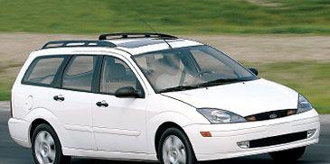 Tire, Wheel, Automotive design, Automotive tire, Daytime, Vehicle, Automotive mirror, Glass, Transport, Rim,