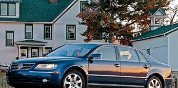 Tire, Wheel, Motor vehicle, Mode of transport, Transport, Land vehicle, Window, Vehicle, Automotive parking light, Automotive tire,
