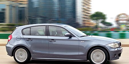 Tire, Wheel, Automotive design, Automotive tire, Vehicle, Alloy wheel, Automotive wheel system, Rim, Car, Fender,