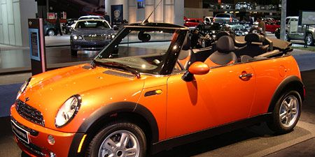 Tire, Wheel, Motor vehicle, Automotive design, Vehicle, Land vehicle, Vehicle door, Hood, Car, Automotive lighting,