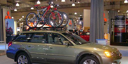 Tire, Wheel, Automotive tire, Vehicle, Land vehicle, Spoke, Bicycle frame, Rim, Transport, Automotive parking light,