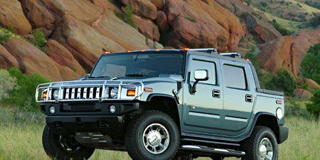 Tire, Motor vehicle, Wheel, Automotive tire, Automotive design, Automotive exterior, Vehicle, Natural environment, Rim, Land vehicle,