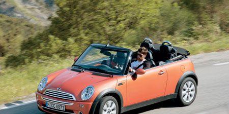 Tire, Wheel, Automotive design, Vehicle, Automotive mirror, Car, Vehicle door, Grille, Hood, Windscreen wiper,