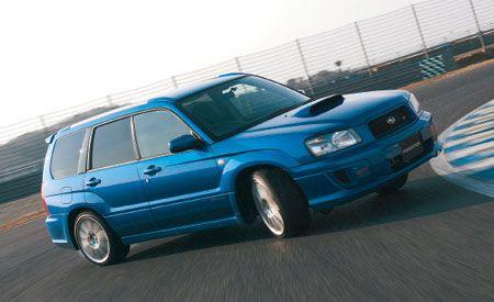 Tire, Wheel, Automotive design, Mode of transport, Vehicle, Automotive tire, Rim, Car, Hood, Automotive parking light,