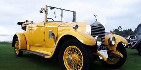 Motor vehicle, Tire, Mode of transport, Automotive design, Vehicle, Yellow, Transport, Land vehicle, Photograph, Automotive lighting,