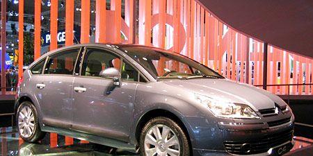 Tire, Wheel, Motor vehicle, Mode of transport, Automotive design, Automotive mirror, Transport, Vehicle, Land vehicle, Automotive tire,
