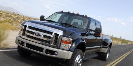 Tire, Motor vehicle, Wheel, Automotive tire, Road, Transport, Automotive design, Vehicle, Land vehicle, Hood,