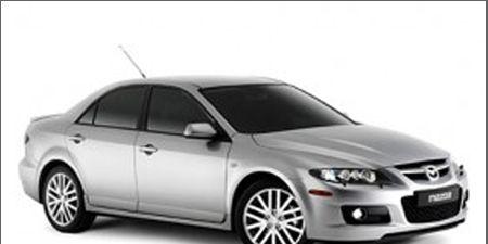 Tire, Wheel, Mode of transport, Automotive design, Product, Vehicle, Automotive mirror, Transport, Rim, Alloy wheel,
