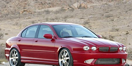 Tire, Wheel, Automotive design, Vehicle, Alloy wheel, Car, Rim, Automotive tire, Hood, Red,