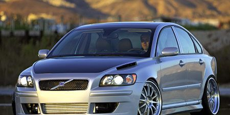 Automotive design, Vehicle, Land vehicle, Hood, Headlamp, Automotive lighting, Car, Rim, Grille, Alloy wheel,