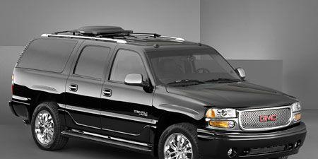 Motor vehicle, Tire, Wheel, Automotive mirror, Automotive tire, Automotive design, Vehicle, Product, Automotive exterior, Automotive lighting,