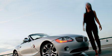 Tire, Motor vehicle, Mode of transport, Automotive design, Vehicle, Infrastructure, Rim, Automotive lighting, Automotive mirror, Automotive wheel system,