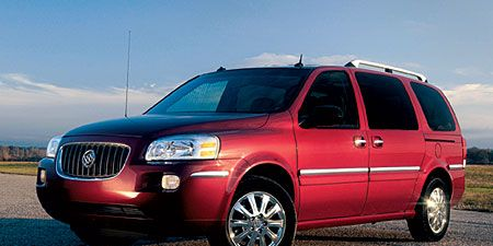 Tire, Wheel, Motor vehicle, Automotive mirror, Mode of transport, Automotive tire, Vehicle, Transport, Window, Infrastructure,