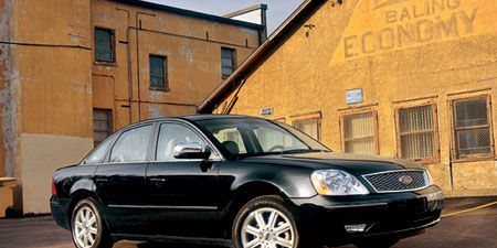 Tire, Wheel, Window, Automotive tire, Vehicle, Automotive lighting, Alloy wheel, Automotive parking light, Rim, Land vehicle,