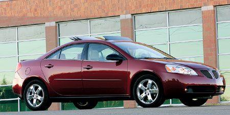 Tire, Wheel, Motor vehicle, Vehicle, Glass, Automotive mirror, Automotive parking light, Land vehicle, Rim, Automotive tire,