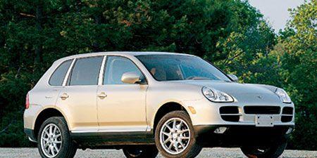 Tire, Wheel, Motor vehicle, Automotive tire, Vehicle, Automotive mirror, Automotive design, Alloy wheel, Rim, Land vehicle,