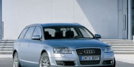 Motor vehicle, Tire, Mode of transport, Automotive design, Automotive mirror, Transport, Vehicle, Product, Road, Vehicle registration plate,