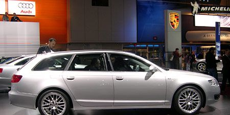 Tire, Wheel, Automotive design, Vehicle, Alloy wheel, Rim, Car, Automotive tire, Full-size car, Spoke,