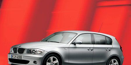 Tire, Wheel, Motor vehicle, Automotive design, Mode of transport, Automotive tire, Vehicle, Alloy wheel, Car, Automotive exterior,