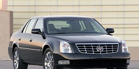 Tire, Motor vehicle, Wheel, Automotive tire, Vehicle, Land vehicle, Automotive mirror, Transport, Glass, Automotive parking light,
