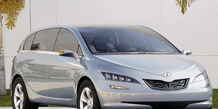 Motor vehicle, Automotive mirror, Mode of transport, Automotive design, Transport, Vehicle, Glass, Automotive tire, Hood, Car,