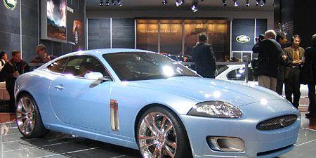 Tire, Wheel, Automotive design, Vehicle, Land vehicle, Alloy wheel, Rim, Car, Headlamp, Performance car,