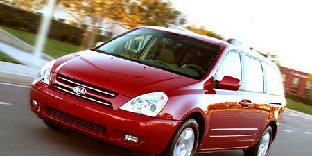 Motor vehicle, Tire, Automotive mirror, Wheel, Automotive design, Vehicle, Land vehicle, Transport, Window, Automotive lighting,