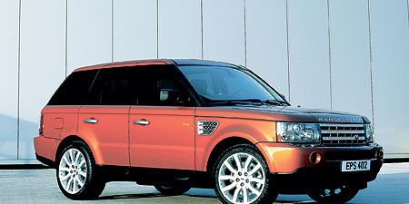 Tire, Wheel, Automotive design, Product, Vehicle, Land vehicle, Automotive parking light, Automotive tire, Car, Glass,