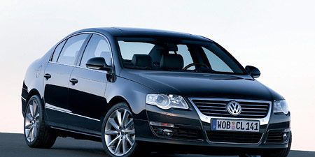 Motor vehicle, Automotive mirror, Mode of transport, Automotive design, Transport, Vehicle, Land vehicle, Automotive lighting, Car, Headlamp,