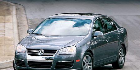 Automotive design, Mode of transport, Vehicle, Automotive mirror, Land vehicle, Car, Hood, Automotive lighting, Glass, Automotive parking light,