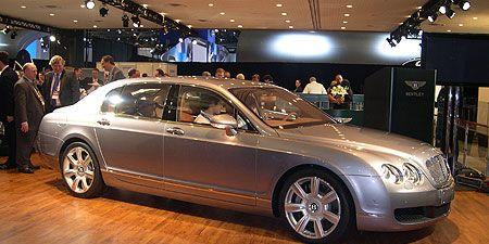Tire, Wheel, Mode of transport, Automotive design, Vehicle, Land vehicle, Car, Personal luxury car, Full-size car, Luxury vehicle,