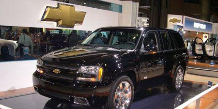 Tire, Wheel, Automotive design, Product, Automotive tire, Vehicle, Transport, Car, Grille, Rim,