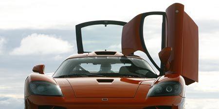 Motor vehicle, Automotive mirror, Mode of transport, Automotive design, Automotive exterior, Hood, Vehicle, Automotive lighting, Headlamp, Transport,