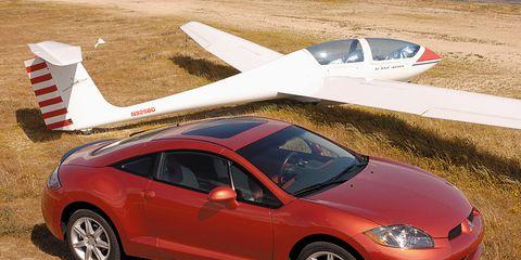 Tire, Wheel, Airplane, Vehicle, Aircraft, Automotive wheel system, Alloy wheel, Rim, Car, Fender,