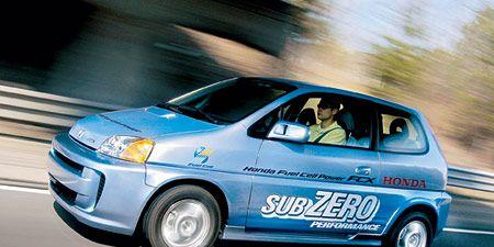 Motor vehicle, Tire, Wheel, Mode of transport, Automotive design, Automotive mirror, Vehicle, Transport, Land vehicle, Car,