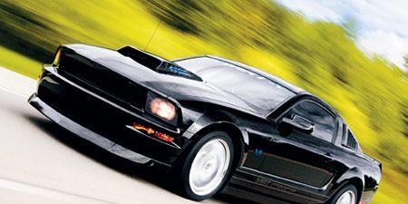 Tire, Wheel, Automotive design, Vehicle, Land vehicle, Hood, Car, Headlamp, Fender, Rim,