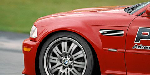 Tire, Wheel, Automotive design, Automotive tire, Automotive wheel system, Vehicle, Alloy wheel, Rim, Red, Hood,